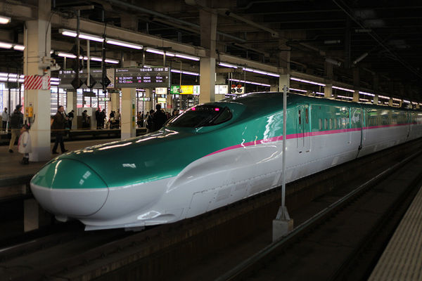 E5 series shinkansen