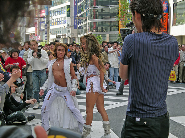 dancing in japan