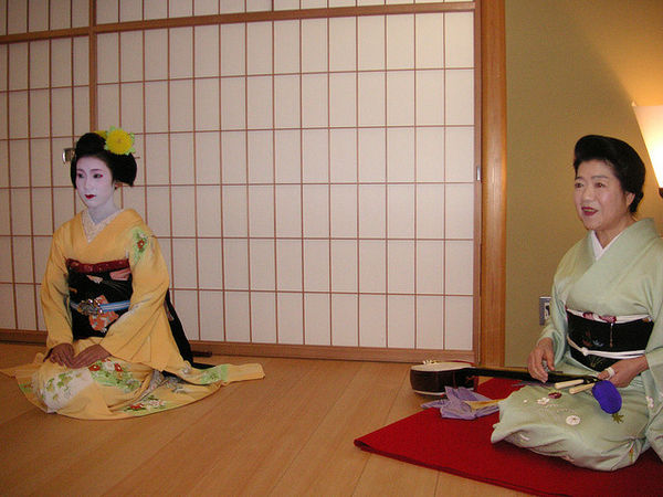 geisha sitting