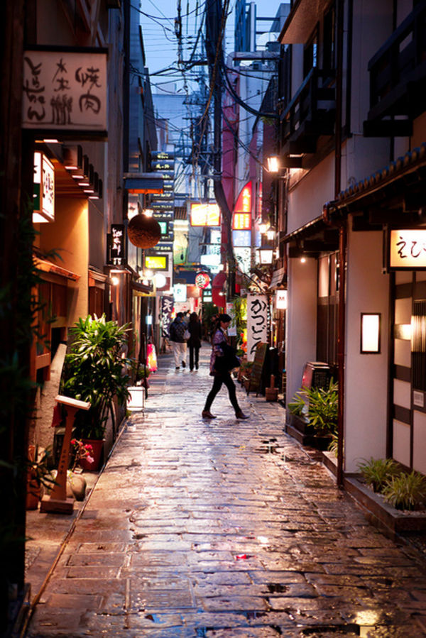 hozenji alley