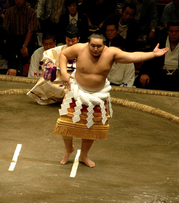 sumo dance